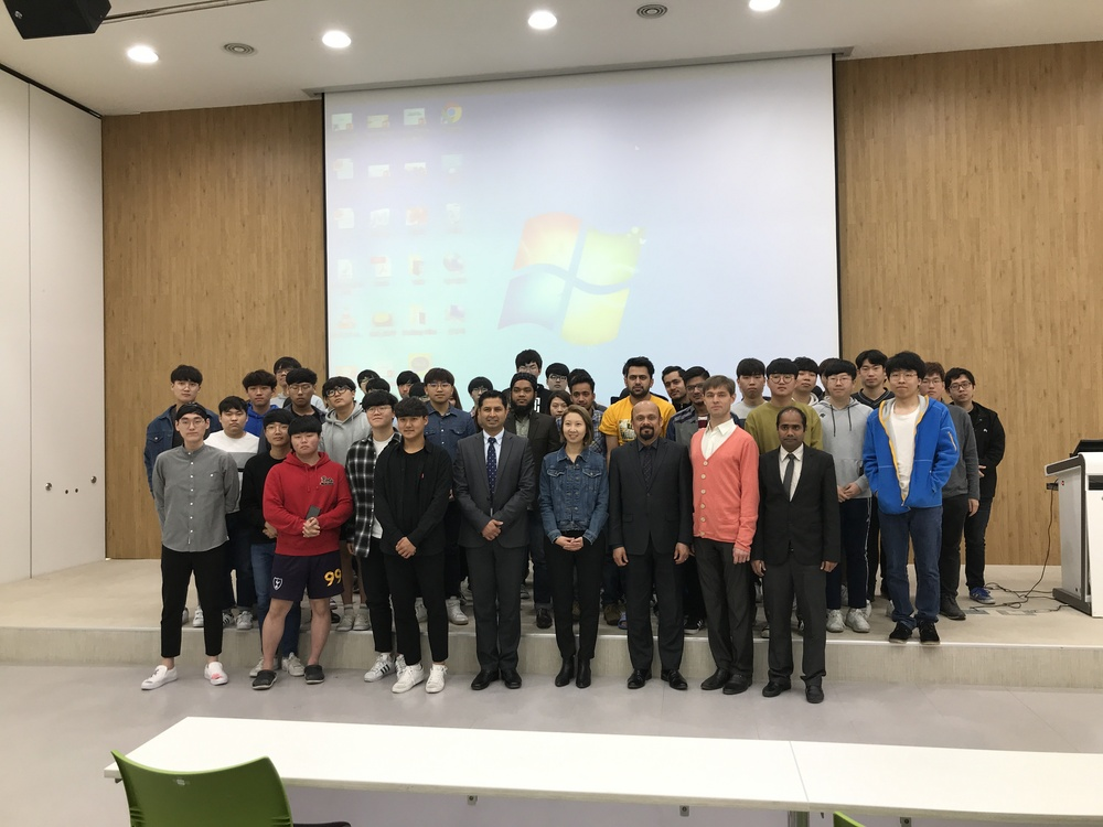 "Department of Railroad Integrated Systems (SIRA) had Prof. Mary Bae for a 2nd special lecture on the topic entitled ""Employment for a student who living in the age of globalization"" on 19th April 2018."